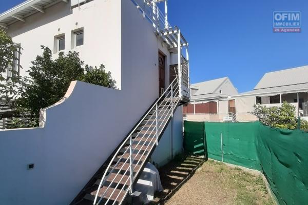 A LOUER// Appartement duplex de type F3 sur la Saline Les Bains à 780 euros!!