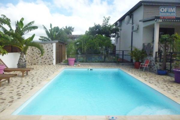Villa récente avec piscine