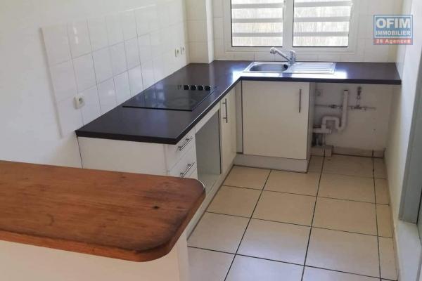 A louer joli et grand appartement de type F2 d'environ 62 m² au Tampon proche centre ville
