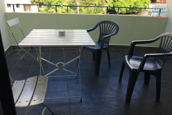 A LOUER studio meublé de 24,90m2+ terrasse  sur Boucan Canot à Saint-Gilles Les Bains