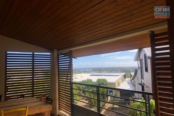 A LOUER// Appartement duplex de 39,46m2 sur la Saline Les Bains à 780,00 euros !! (Eau inclus)