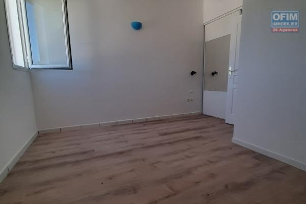 A louer appartement F4  St Paul