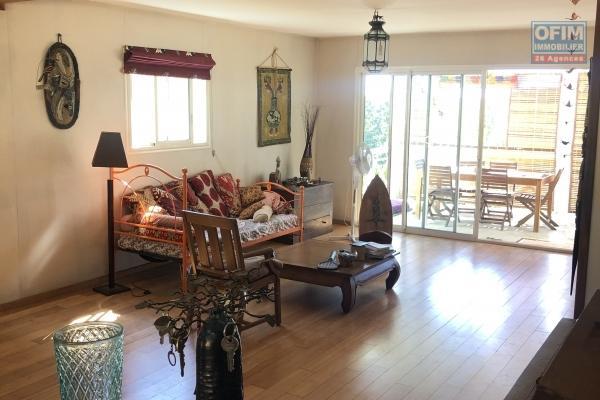 a vendre maison f5 bas du guillaume st Paul sur parcelle de 821 m2