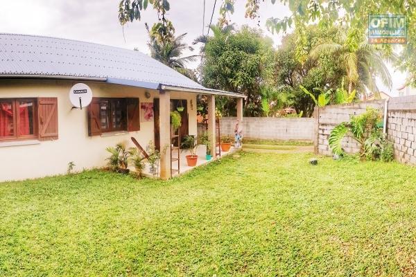 Villa F4 de 80m2, terrain 343 m2, terrasse