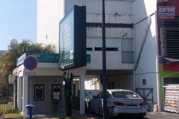 A louer grand appartement de 76,39m2 situé dans le centre de ville de saint benoit
