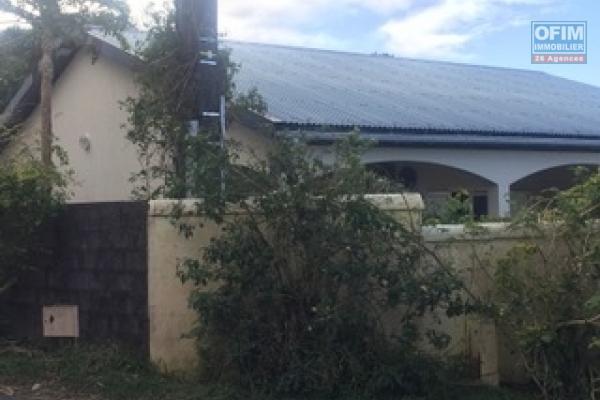 A louer une villa f3 50 m2 avec un grand jardin.
