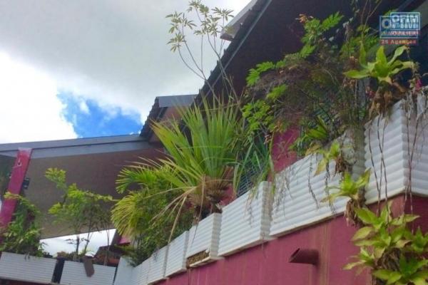 Magnifique villa d'architecte vue mer 180°