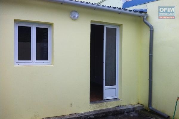 Petite maison de ville duplex sur Saint André lotissement Les Lilas