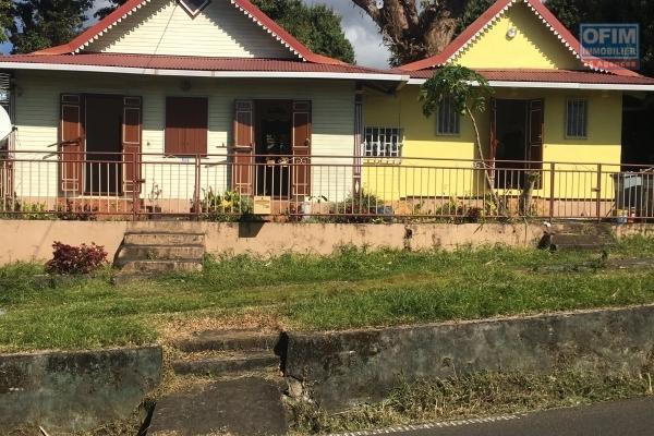 A louer petite maison ancienne de 65m2 à sainte rose (bonne espérance)