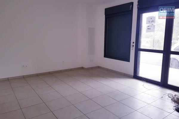 LOCAL COMMERCIAL DE 80 m2 SUR AXE TRES PASSANT