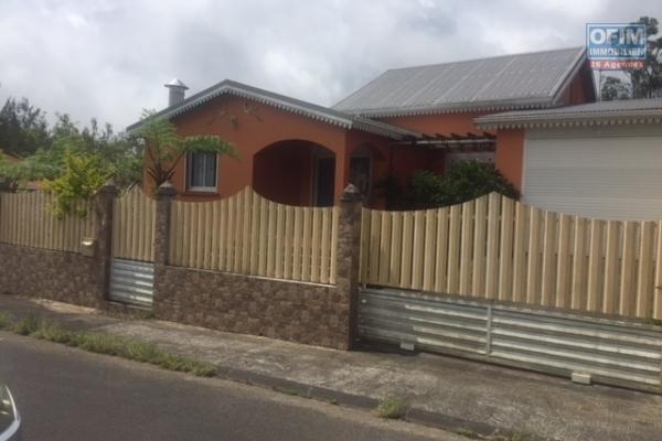 A VENDRE villa F5 duplex de 183m2 avec garage à la Plaine des Palmistes