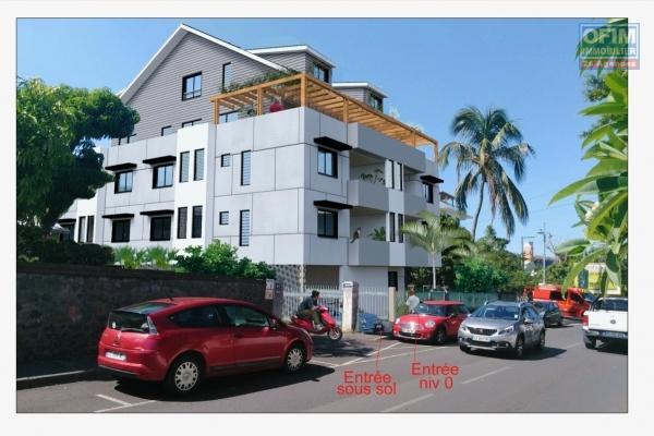 A vendre magnifique F4 duplex neuf dans résidence de standing de 11 logements. Du F2 au F4 à ST PAUL ( centre-ville )