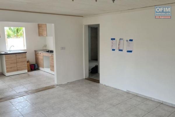 Ofim vous propose à la location une villa T4 dans une résidence calme.