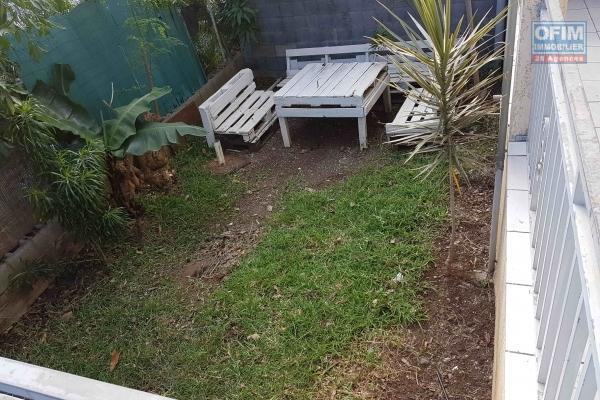 A louer appartement T3 en rez de jardin à St Leu Stella