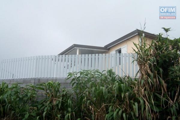 A louer jolie villa récente de type F4 d'environ 70 m² avec vue mer  la Plaine des Cafres