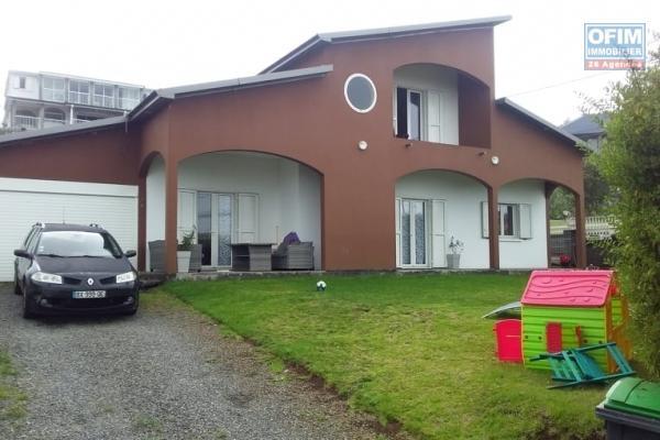 A vendre charmante villa F4 avec vue mer et montagne
