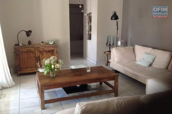 A LOUER// Appartement de type F3 de 60m2 sur Boucan Canot à Saint -Gilles Les Bains à 782,00 euros!!