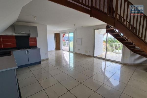 A louer magnifique appartement de type F3/4 d'environ 65 m² au Tampon 12 éme