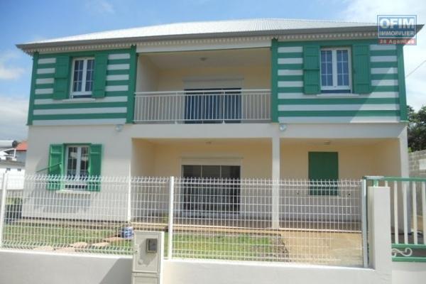 A louer cette belle villa F6/7 d'une superficie de 194m2 année 2011 sur le secteur de la Mare Sainte Marie.