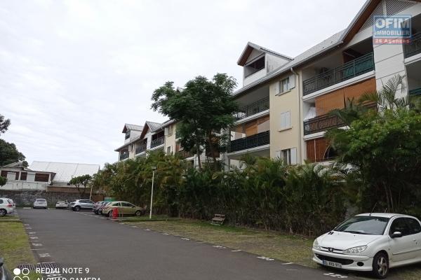 Magnifique appartement de type T4 en duplex au dernier étage dans une résidence calme et sécurisée proche de toute commodité