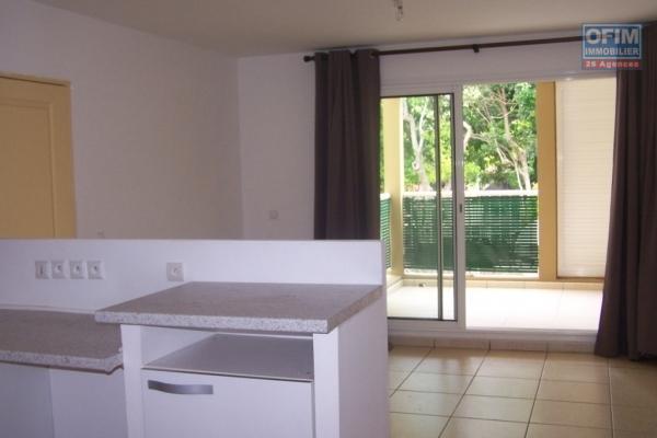 A louer joli appartement de type F2 d'environ 42 m² en cours de rénovation proche centre ville le Tampon