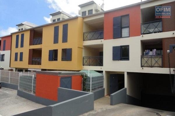 A louer cet appartement de type F2 sur la résidence Les Cyprès à Sainte Clotilde.