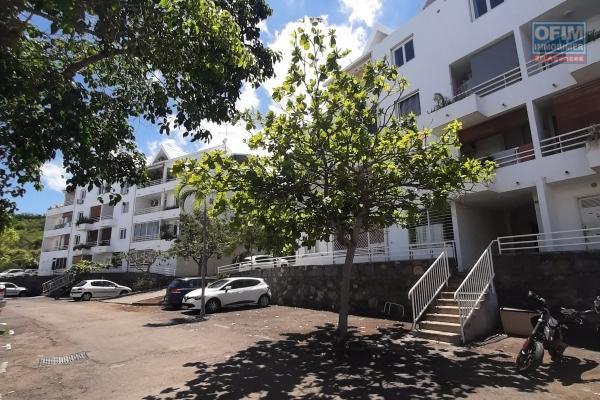 A LOUER// Bel appartement de type F2 de 45,13m2+ balcon sur Boucan Canot à 700,00 euros!!