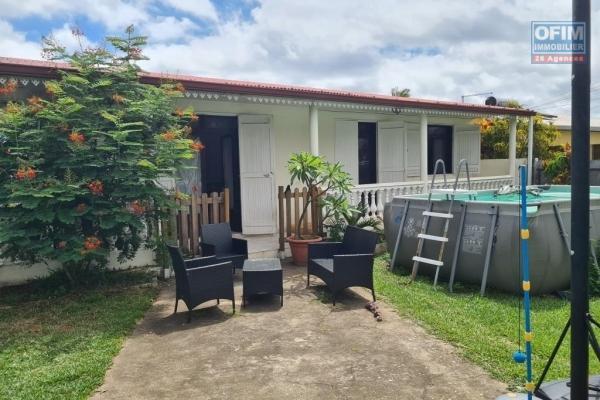A vendre villa de type F4 d'environ 100 m² sur un terrain d'environ 537 m² au Tampon proche centre ville