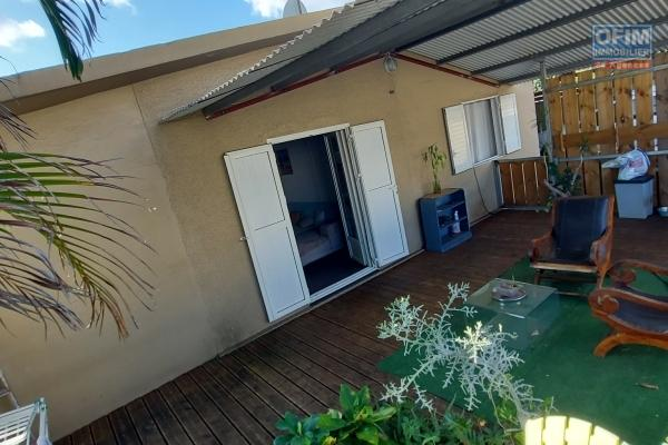 Maison F3 de 100 m2, terrain 220 m2, terrasse