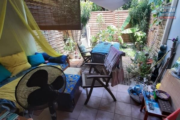 A LOUER// STUDIO de 26,01m2 en RDC + varangue et petite cour à 550,00 euros!!