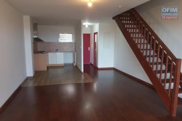 A vendre magnifique et grand appartement duplex de type F4 d'environ 84 m² le Tampon