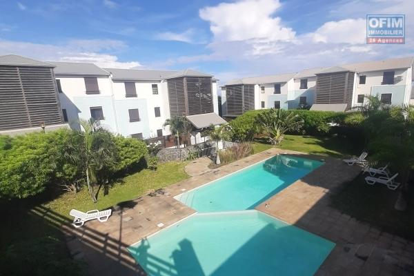 EXCLUSIVITE OFIM// Bel et spacieux appartement  de type F2 à 105 000 euros à St Denis La Montagne!!