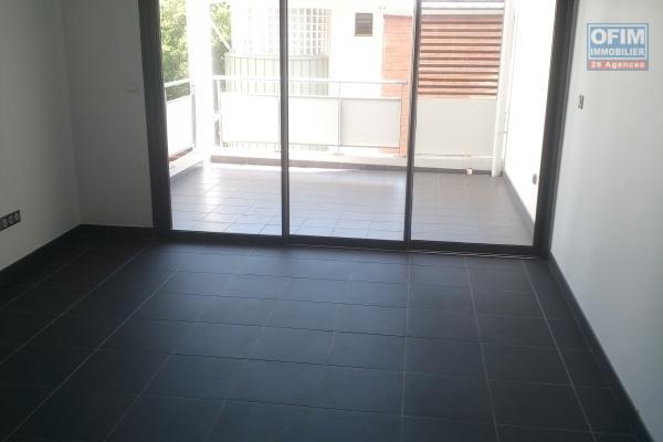 A louer appartement F2 de 62.49 m2 A ST DENIS centre ville