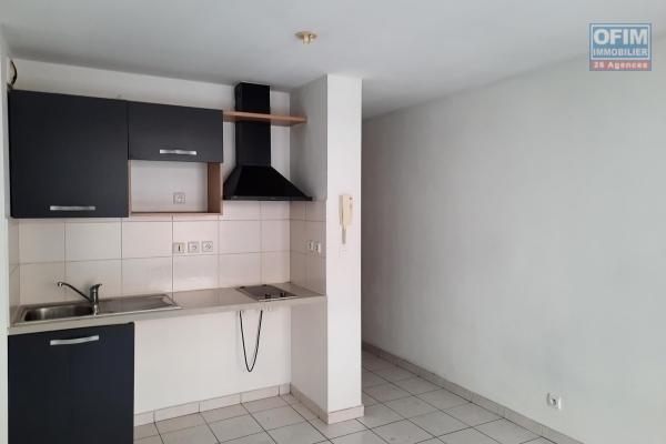 A louer appartement de type F1 sur la résidence HELENE 2  proche de la clinique à Sainte Clotilde