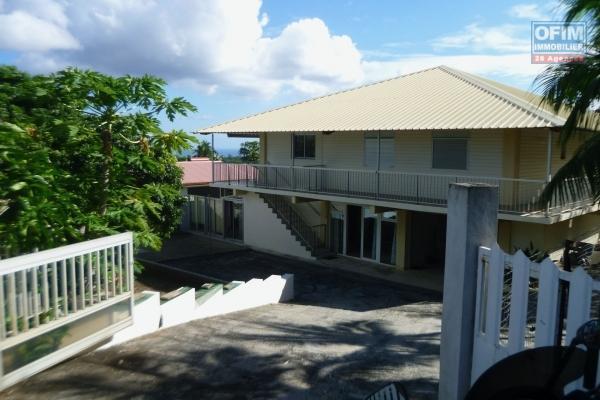 a louer grande villa F7 à la plaine saint paul, piscine, garage, jardin et tout confort