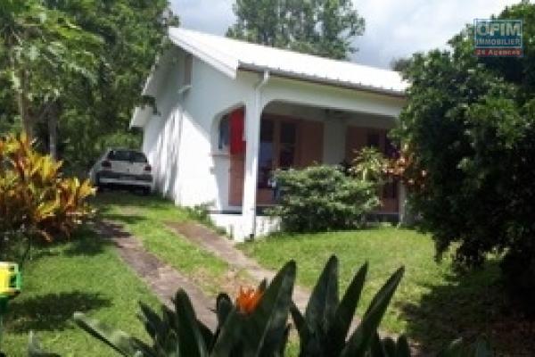 A vendre Villa F4 + Combles, à ST PAUL ( La Plaine )