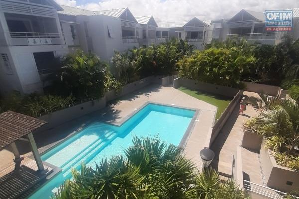 A LOUER// Appartement de type F3 de 61,85m2 en RDC + Varangue et jardin sur l 'Hermitage Les Bains