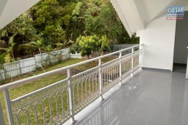 A louer une grande villa type F6/7 avec jardin et parking à La Montagne - Chemin Vandas