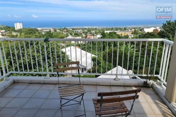A louer joli appartement de type F3 d'environ 44 m² avec vue mer au centre ville du Tampon