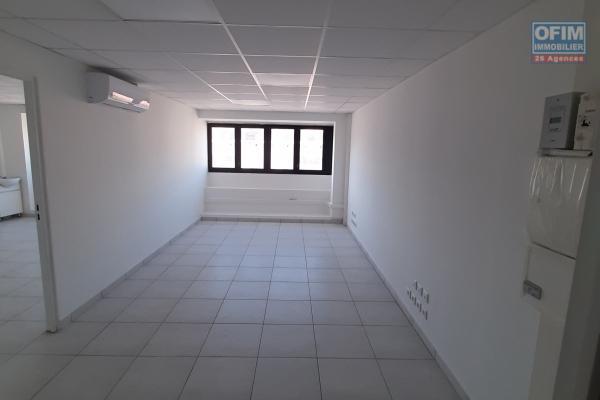 OFIM vous présente à la location un local professionnel de 47 m², neuf et opérationnel de suite.