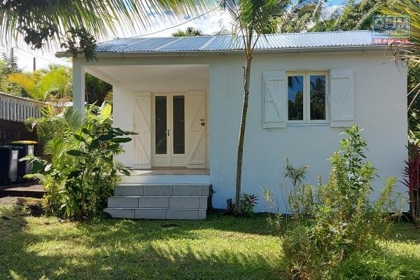 Maison d'environ 60 m2, terrasse avec jardin