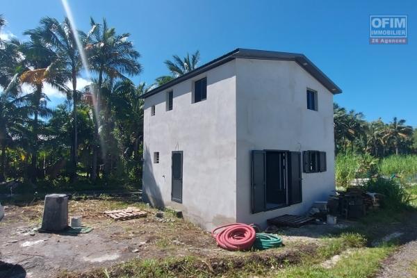 Villa F4 de 50 m2, terrain 384 m2