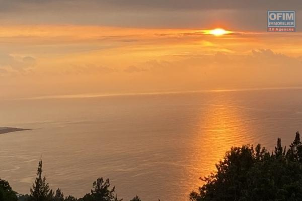 Terrain vue imprenable sur mer
