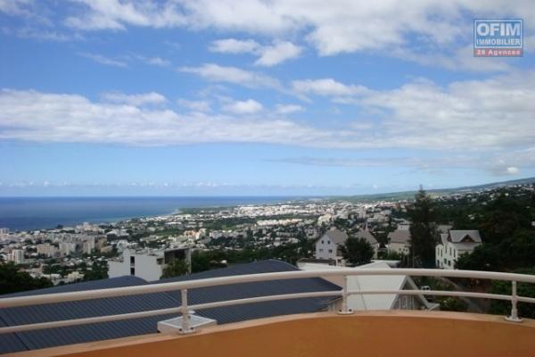 A louer appartement T3 avec belle vue mer et parking à Bellepierre, résidence Dunes de l'océan
