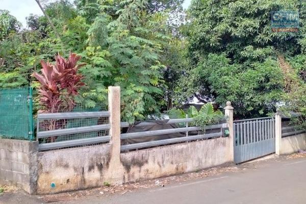 Terrain plat constructible de 284m2 Ligne des Bambous