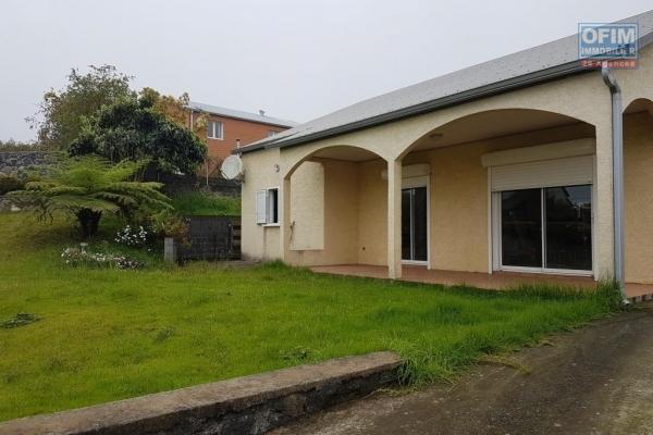 A louer magnifique villa F4 d'environ 190 m² avec mezzanine la Plaine des Cafres 21éme Km