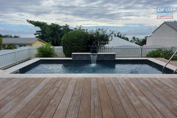 A vendre belle villa avec 5 chambres et piscine dans un lotissement calme à Bois de Nèfles
