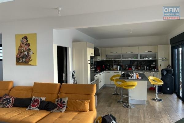 A vendre une villa de haut standing de 214m2 habitable à Moufia Sainte-Clotilde
