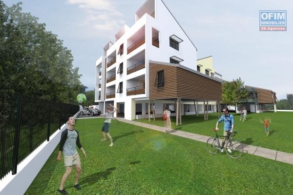 A vendre appartements défiscalisables T3 à partir de : 250 000 € à l'Etang Saint- Paul.