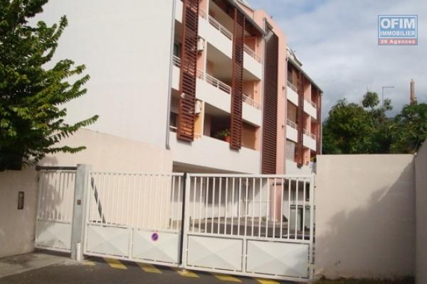 A louer cet appartement de type F1 sur la résidence PRINCETON 2 rue Marc Boyer à Sainte Clotilde.